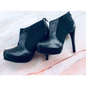Jessica Simpson black heeled booties